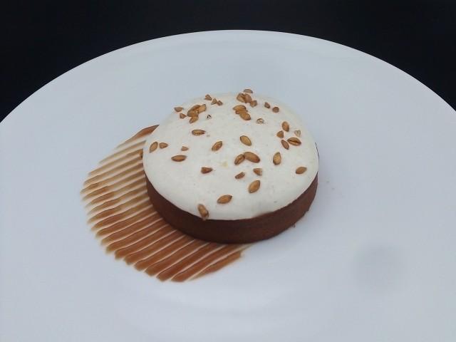 La Table du Prieuré Epeautre cuisiné comme un riz au lait, glace au mélilot, caramel, épeautre crémeux et croustillant