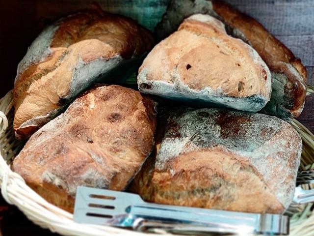La Table du Prieuré Le pain de Teddy Méchine