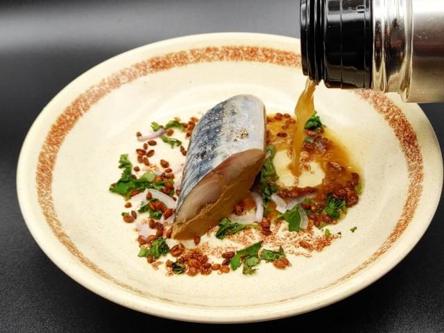 La Table du Prieuré Maquereau et aubergine, bouillon d'arêtes comme un dashi